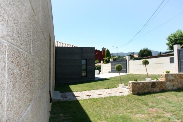 Vivienda Unifamiliar diseñada por nam arquitectos en Tui.